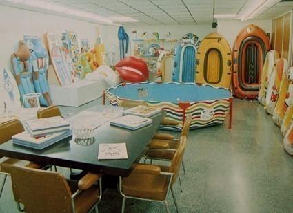 exposición colección flotadores e hinchables toi años 70 y 80
